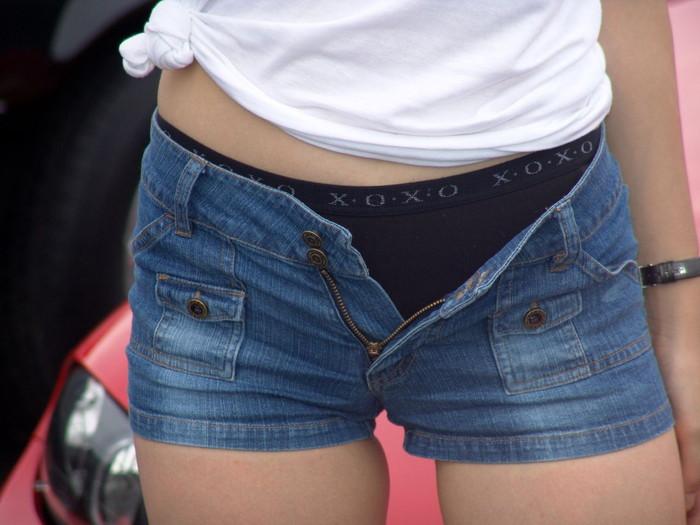 【ホットパンツエロ画像】街中でこんなホットパンツの女の子見かけたら着いて行きたくなるよなw 02