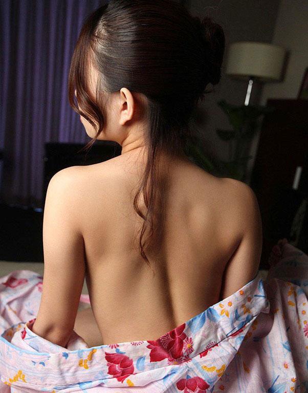 【和服エロ画像】日本人でよかった!と思える和服の女の子たちの艶やかなエロスww 18