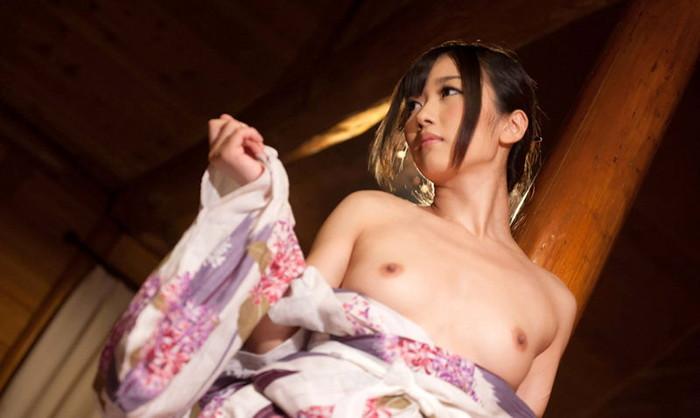 【和服エロ画像】日本人でよかった!と思える和服の女の子たちの艶やかなエロスww 20