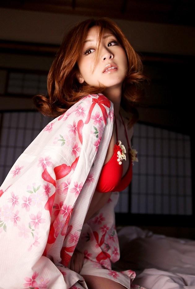 【和服エロ画像】日本人でよかった!と思える和服の女の子たちの艶やかなエロスww 24
