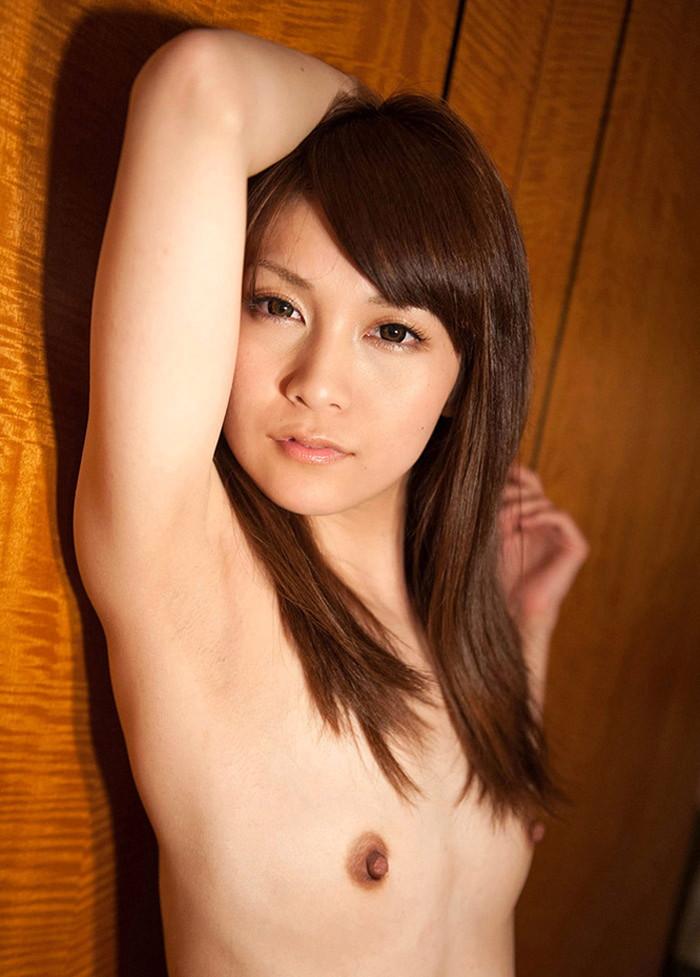 【ちっぱいエロ画像】おっぱいは巨乳!という定義を覆すイキオイのちっぱい女子ww 25