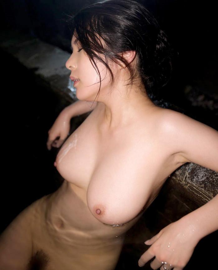 【入浴エロ画像】お風呂でくつろぐ女の子、一度くらいは覗いてみたいと思うのは男の性!? 04