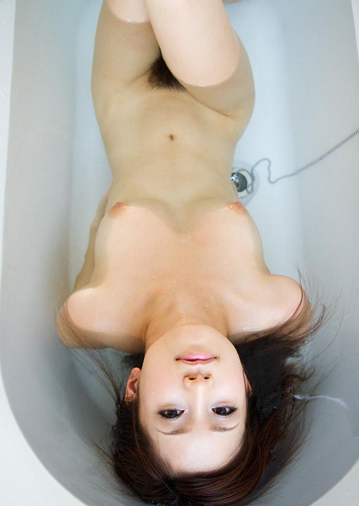 【入浴エロ画像】お風呂でくつろぐ女の子、一度くらいは覗いてみたいと思うのは男の性!? 11